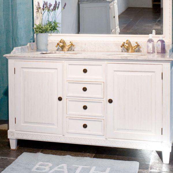 Gustaviansk baderomskap med 2 underlimte vasker L