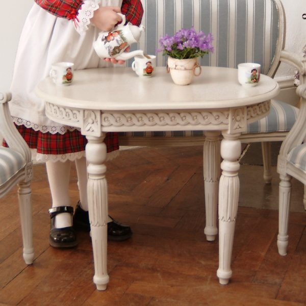 Gustaviansk barnebord/lampebord mini