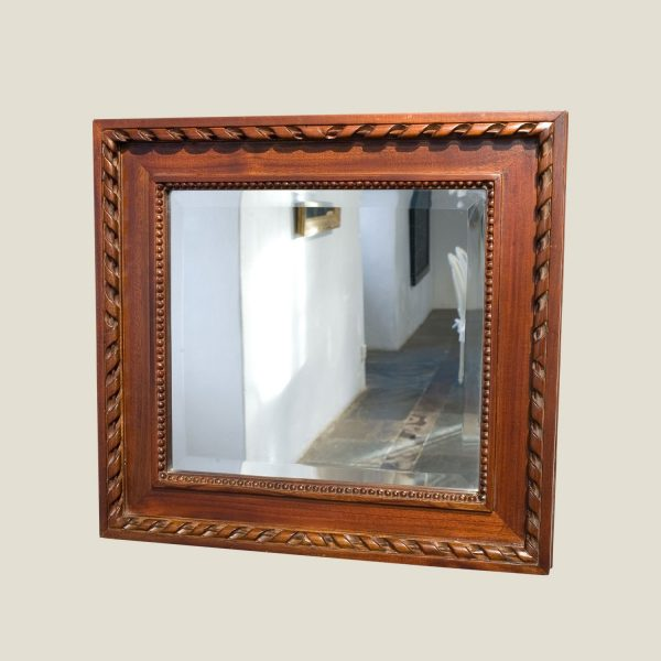 Gustaviansk speil 50x47 cm