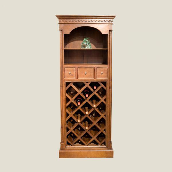 Gustaviansk rustikt vinskap, 18 flasker