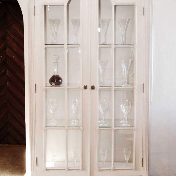 Gustaviansk vitrineskap Rosen m/glassdører